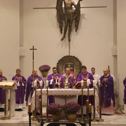 Msza św. za zmarłych Księży Profesorów, Siostry i Świeckich