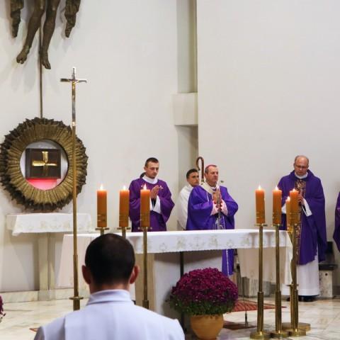 Msza św. za zmarłych Pracowników AWSD