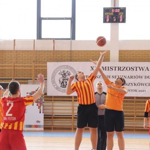 XII Mistrzostwa w Koszykówce